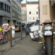 3-motos_trottoir